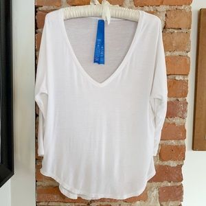 Kit and Ace Easy V Mid-Sleeve Tee Size 6